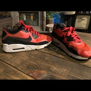 NIKE AIR MAX 90 ULTRA ESS 2.0